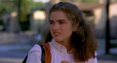 Nancy (Heather Langenkamp)