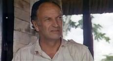 Julianes Vater (Paul Muller)