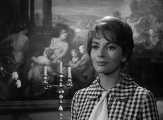 Nora Sanders (Karin Dor)