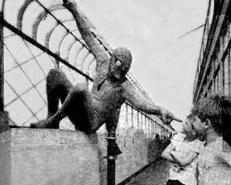 Spider-Man grüßt seine Fans ...