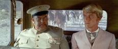 Cascorro (Orson Welles) und Dr. Price (John Steiner)
