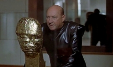 Kobras (Donald Pleasence)