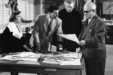 Lee (Paula Raymond), Tom (Paul Hubschmid, Mitte links) und Elson (Cecil Kellaway, rechts)