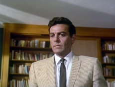 Kelly (Mike Connors)