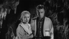 Carol (June Kenney) und Mike (Eugene Persson)