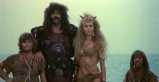 Attila (Diego Abatantuono) und Uraia (Rita Rusic)