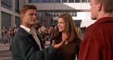 Johnny Rico (Casper Van Dien) und Carmen Ibanez (Denise Richards)
