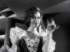 Marianne (Edith Leyrer)