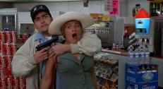 Jack Hammond (Charlie Sheen) entführt Natalie Voss (Kristy Swanson)