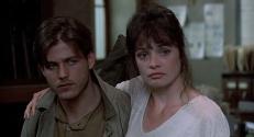 Tom (Michael Paré) und Reva (Deborah Van Valkenburgh)