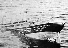 Die sinkende Titanic