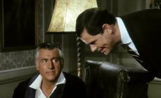 David Porter (Stewart Granger, links)