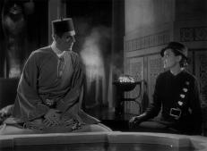 Ardath Bey (Boris Karloff) und Helen